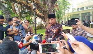Jokowi-folly-Doosrtop-640x376.jpg